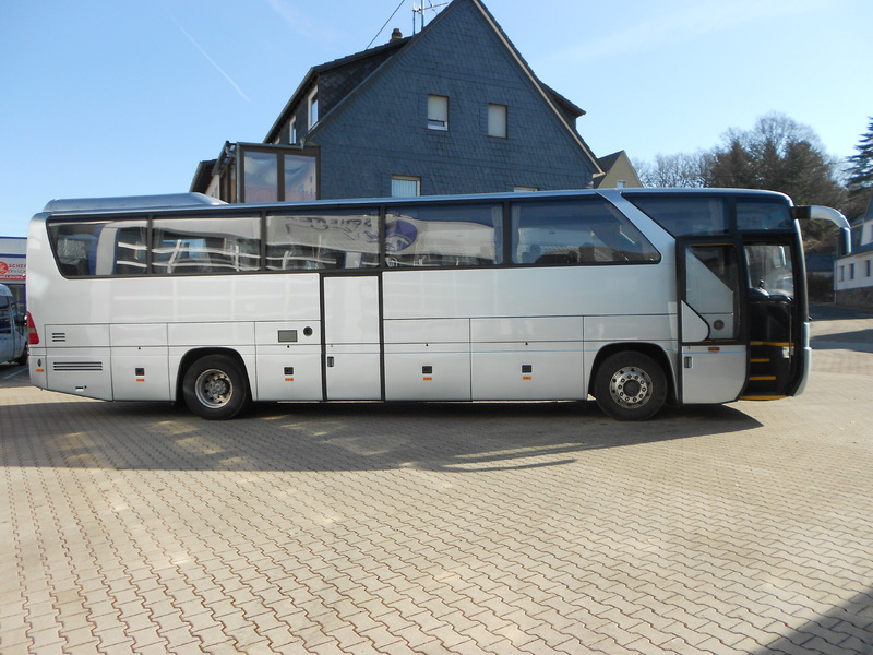 Mercedes benz tourismo o 350 coach from germany for sale for Mercedes benz coach