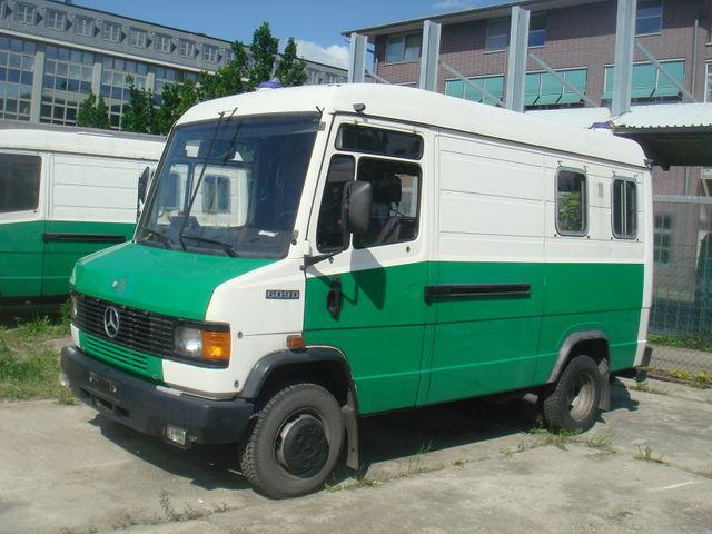 mercedes benz 609 d kastenwagen hoch lang bus from. Black Bedroom Furniture Sets. Home Design Ideas