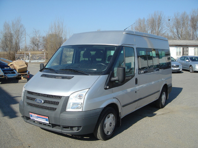 ford transit 115t300 9 sitze bus klima top minibus from. Black Bedroom Furniture Sets. Home Design Ideas