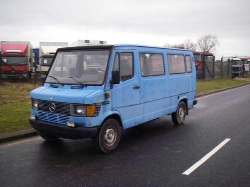 Mercedes benz 308 d mini bus 14 1 seats minibus from for Mercedes benz minibuses