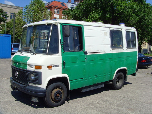 Mercedes benz 508d fensterbus minibus from germany for for Mercedes benz minibuses