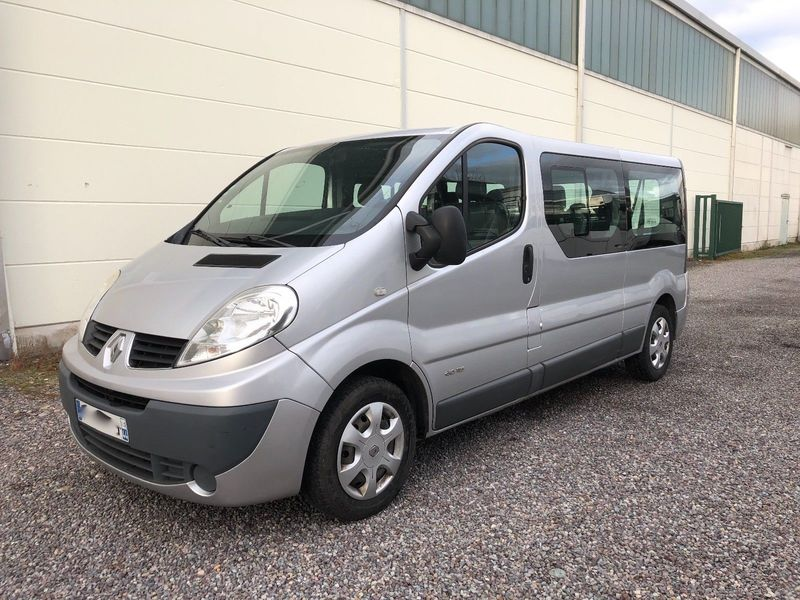Renault Trafic 2 0 Dci 115 L2h2 Minibus From Germany For