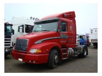 Volvo NH12-380 MANUEL GEARBOX - cabeza tractora