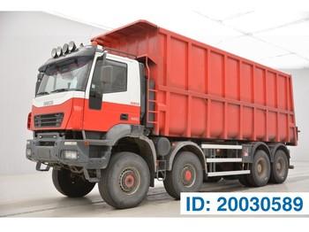 Caminhão basculante Iveco Trakker 440 - 8x8