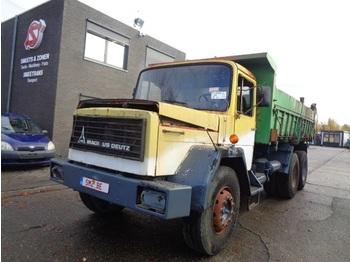 Caminhão basculante Magirus 232 D 26