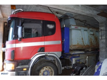 Caminhão basculante Scania P124GB