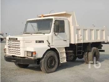 SCANIA 93H 4x2 - camion benne
