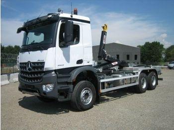 Mercedes-Benz 3342 6X6 HYVA Abroller  - camión multibasculante