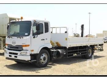 NISSAN UD 2600 4x2 - camion plateau ridelle