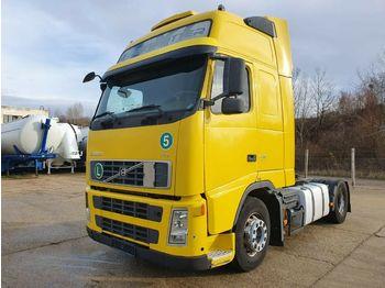 Cap tractor Volvo FH 13 440 XL