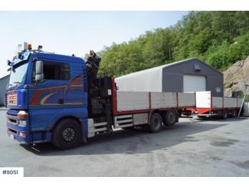 Ciężarówka burtowa MAN TGA 26.480