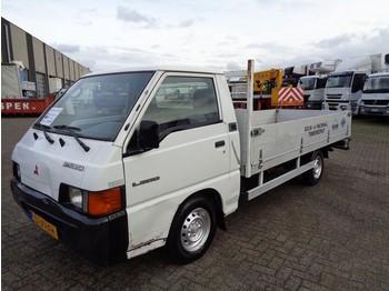 Ciężarówka burtowa Mitsubishi L300-2.5D + Manual