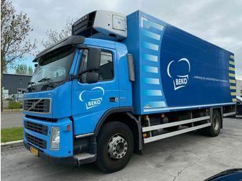 Ciężarówka chłodnia Volvo FM 300 4X2 EURO 5 + CARRIER SUPRA 850 MT