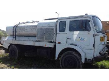 Ciężarówka cysterna JELCZ 315 M