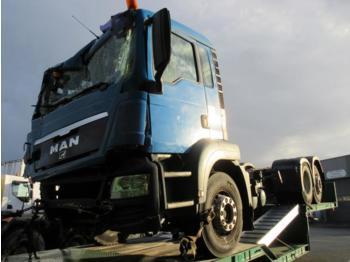 Ciężarówka cysterna MAN TGS 26.360
