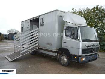 Mercedes-Benz 814 D - 6- Zylinder-AHK-Sportpferde-TOP-  - ciężarówka do przewozu zwierząt