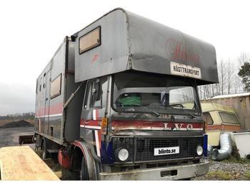 Volvo F 609  - ciężarówka do przewozu zwierząt