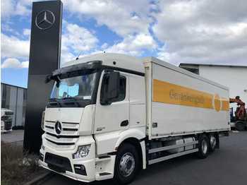 Mercedes-Benz Actros 2545 L Getränkekoffer+LBW Schwenkwand  - ciężarówka do transportu napojów