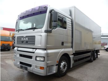 Ciężarówka furgon MAN 26.390: zdjęcie 1