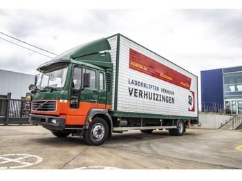 Ciężarówka furgon Volvo FL6 220E12