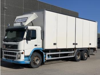 Ciężarówka furgon Volvo FM300 6x2