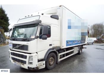 Ciężarówka furgon Volvo FM330