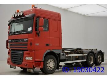Ciężarówka hakowiec DAF XF105.410 Space Cab - 6x2