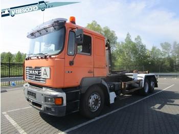 MAN 26.414 - ciężarówka hakowiec