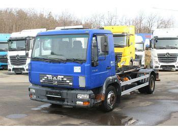 Ciężarówka hakowiec MAN LE 10.150 4X2 BB
