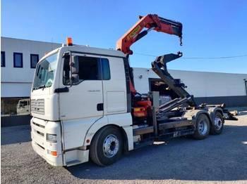Ciężarówka hakowiec MAN TGA 26.430 6x2 container Euro3