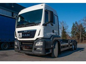 Ciężarówka hakowiec MAN TGS 26.440 6x2 Abroller Hiab HN2010