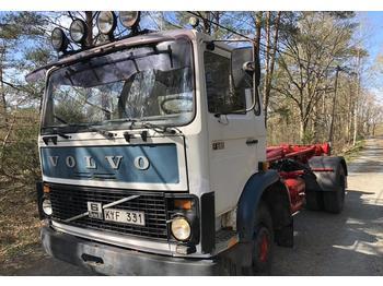 Volvo F616  - ciężarówka hakowiec