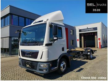 Ciężarówka podwozie MAN TGL 8.180 4x2 BB / 3 Seats / Alu-Felgen