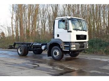 Ciężarówka podwozie MAN TGM 18.240 4x4