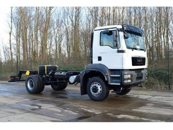 Ciężarówka podwozie MAN TGM 18.280 4x4