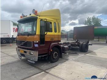 Volvo FL 612 4x2 - ciężarówka podwozie