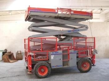 SkyJack SJ 8841 4x4 - aerial platform