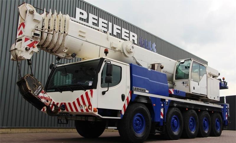 all terrain crane Liebherr LTM1100-5.2