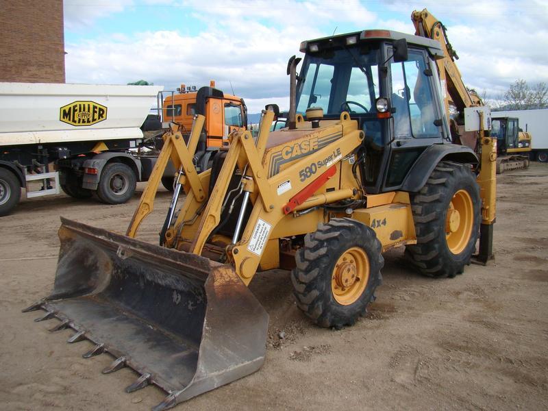 CASE 580 SUPER LE backhoe loader from Spain for sale at