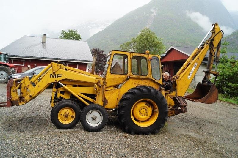 Backhoe loader Massey Ferguson MF30 - Truck1 ID: 1719600