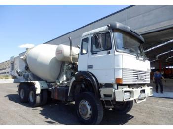 Concrete mixer Iveco 330-36