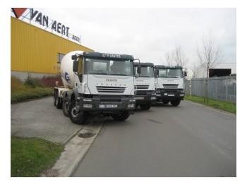 Iveco EUROTRAKKER AD340-38B - concrete mixer