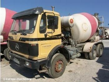 Mercedes 2225 - concrete mixer
