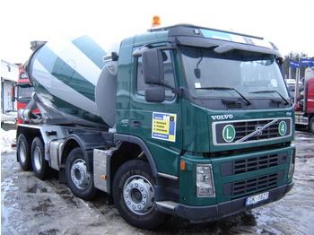 VOLVO FM400 - concrete mixer