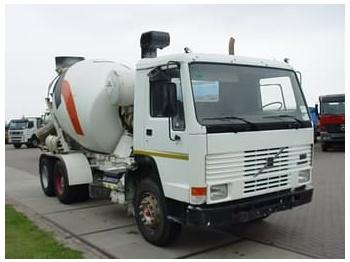Volvo FL 10-6X4 - concrete mixer