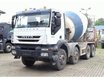 Concrete mixer truck Iveco Trakker 360 8x4 / Mischer 9m³ / Klima