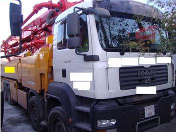 MAN 41.440 TGA - concrete pump