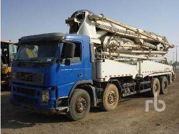 Volvo FM12 8X4 W/Zoomlion Zlj5391Thb12544 - concrete pump
