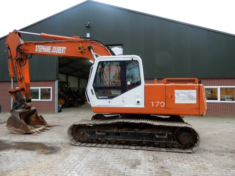 Daewoo 170-3 crawler excavator from Netherlands for sale at Truck1