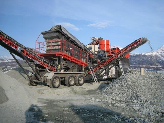 Sandvik Norway  city images : Sandvik UH320 Flex crusher from Norway for sale at Truck1, ID: 1325559